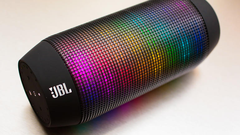 JBL Charge vs Pulse