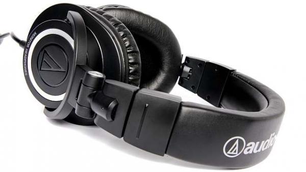 Audio-Technica ATH-M50 vs Sennheiser HD 558
