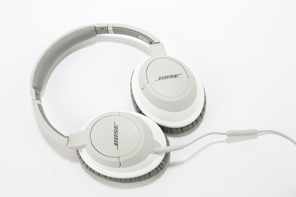 Bose AE2i vs OE2i Audio Headphones